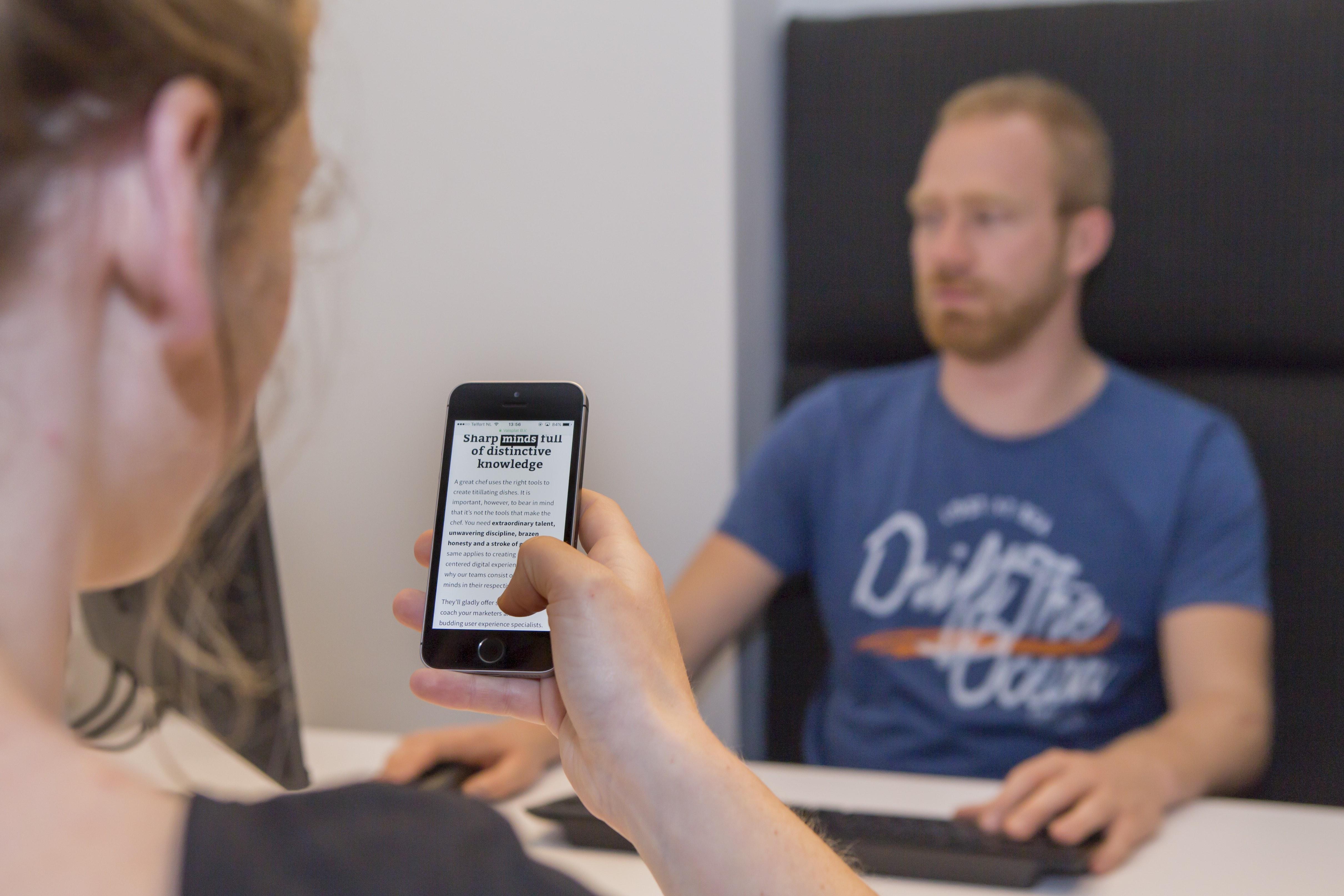Interview met een respondent op mobiel